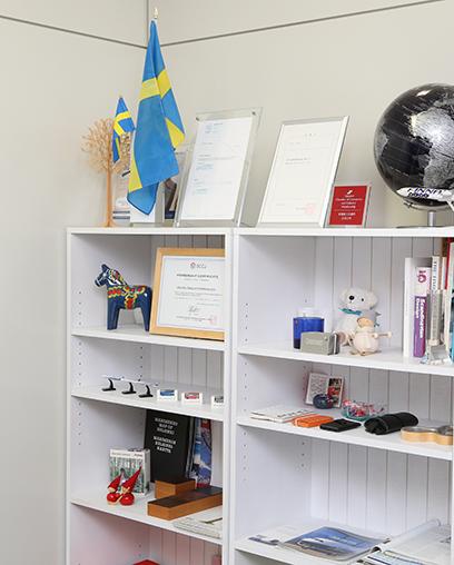 北欧家具や雑貨の輸入販売も行っている。